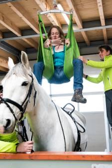 Iedereen kan paardrijden dankzij komst van tillift