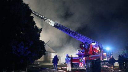 Theatergezelschap zoekt rekwisieten na brand in opslagplaats
