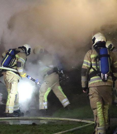 Woudenberg opgeschrikt door vier autobranden in korte tijd, politie onderzoekt mogelijk verband