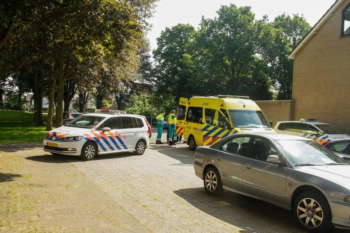 De hulpdiensten bij de woning in Deurne.