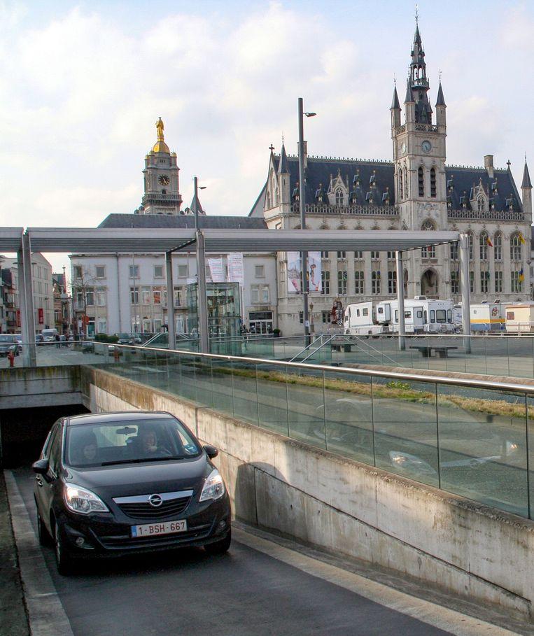 Sommigen koppelen voorwaarden aan een autoluwe Grote Markt, zoals een extra in- en uitrit voor de ondergrondse parking.