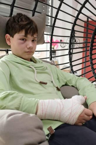 """Mauro (12) slachtoffer van zinloos geweld, moeder zoekt getuigen: """"Ik zat aan de voordeur op mama te wachten, toen een jongen mij in gezicht bokste"""""""