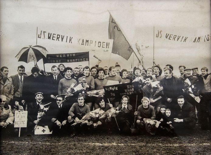 Op het veld van Sparta Kruiseke mocht JS Wervik in 1972 de titel in het Tornooi van de Westhoek vieren