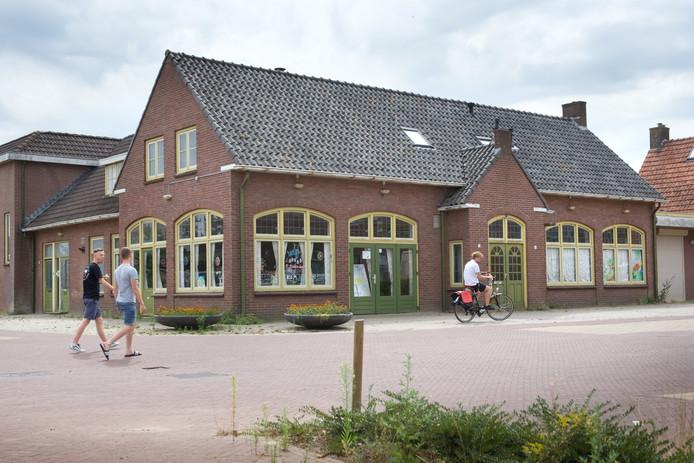 Voormalig discotheek Carolus in Driel.