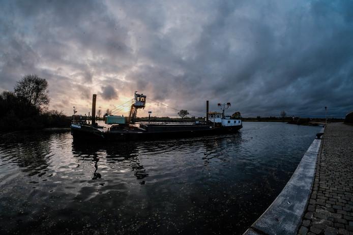 De turfhaven in Doesburg krijgt vanaf 1 april een schip voor Bed & Breakfast.