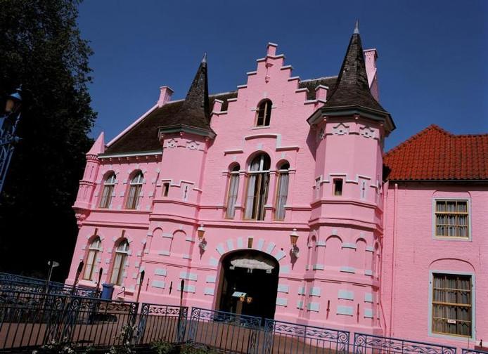Het Roze Kasteel van het voormalige Land van Ooit is onderdeel van de Poort van Heusden in Drunen. archieffoto Burijn Media