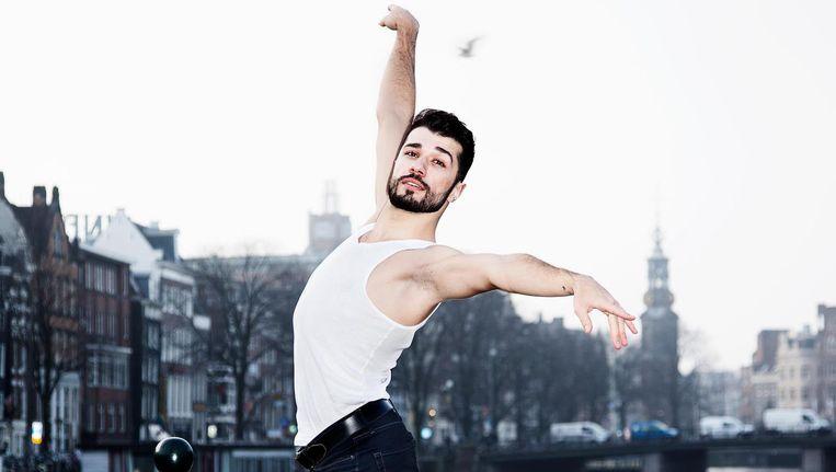 Ahmad Joudeh: Ik dans met mijn hart en heb mezelf vooral veel aangeleerd door video's te kijken op YouTube. Beeld Ernst Coppejans