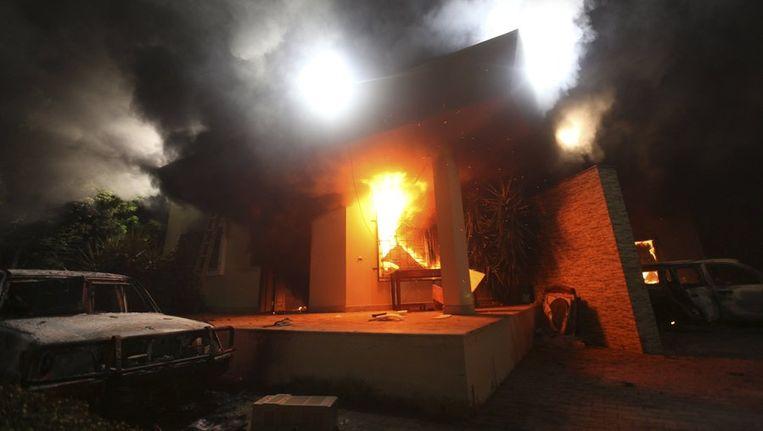 Het consulaat van de VS in Benghazi na de aanval op 11 september. Beeld reuters