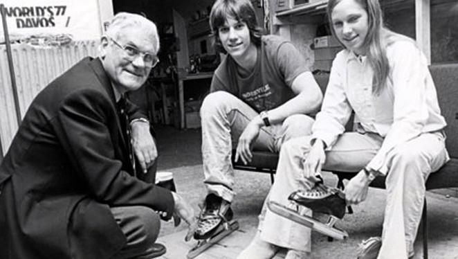 Jaap Havekotte in 1977 met de Amerikaanse schaatslegende Eric Heiden en zijn zus Beth.