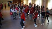 Leerlingen Sancta Maria in Ruiselede dansen erop los