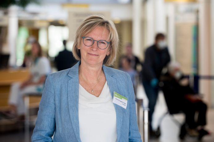 Het werk van Marian Rikkert en haar collega-psychologen bestaat sinds de corona-uitbraak vooral uit het ondersteunen van artsen, verpleegkundigen en alle andere medewerkers van ziekenhuis Rivierenland.