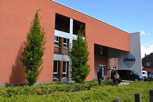 Het schoolgebouw in Tielt.