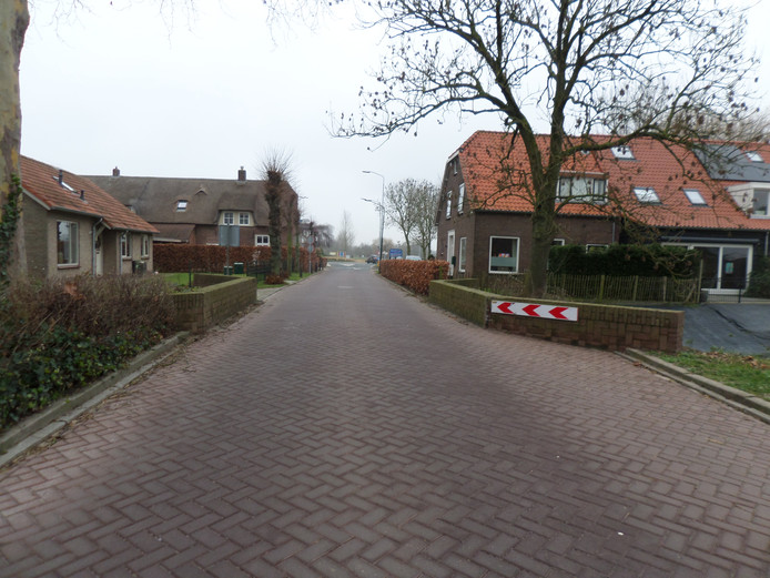 De te vervangen brug Stenenheul in Waardhuizen.