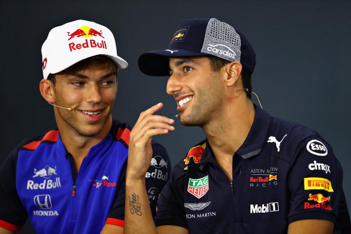 Pierre Gasly (l) naast de man die hij gaat opvolgen bij Red Bull Racing, Daniel Ricciardo.