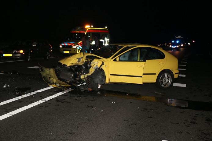 Twee gewonden bij frontale aanrijding in Lutten.