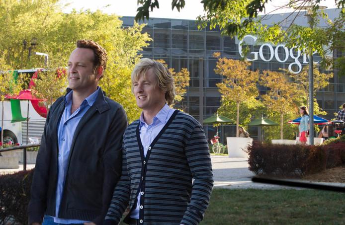 Acteurs Vince Vaughn en Owen Wilson proberen in de komedie The Internship (2013) een baan te bemachtigen bij Google. Nederlander Arjan Dijk lukte het.