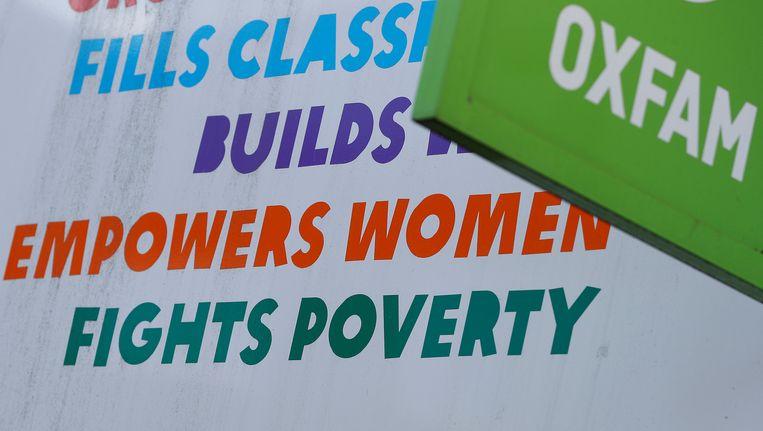 Uithangbord van Oxfam-winkel in Londen Beeld null