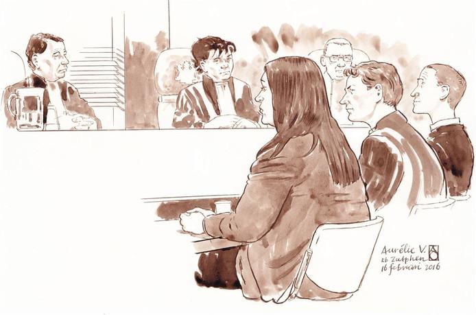 Rechtbanktekening van de Apeldoornse verdachte Aurelie V. in de rechtbank in Zutphen over het doden van haar twee kinderen.