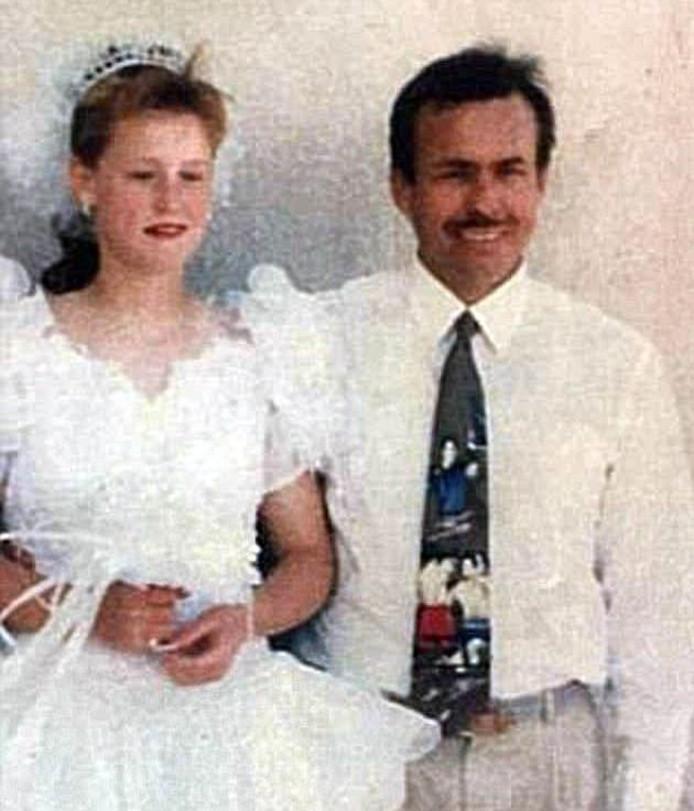 Henri Piette a organisé un mariage avec la jeune Rosalynn.