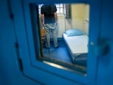 'Veel gedetineerden blijven in de cel crimineel actief'