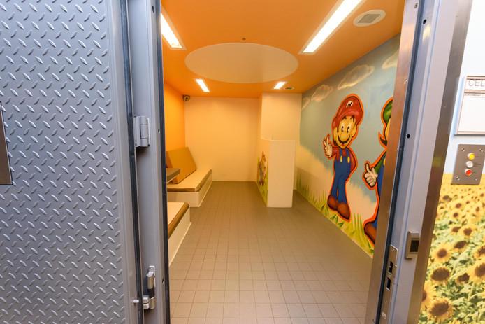 In het Politie Cellen Complex in Borne blijft de kindercel de komende tijd vaak leeg