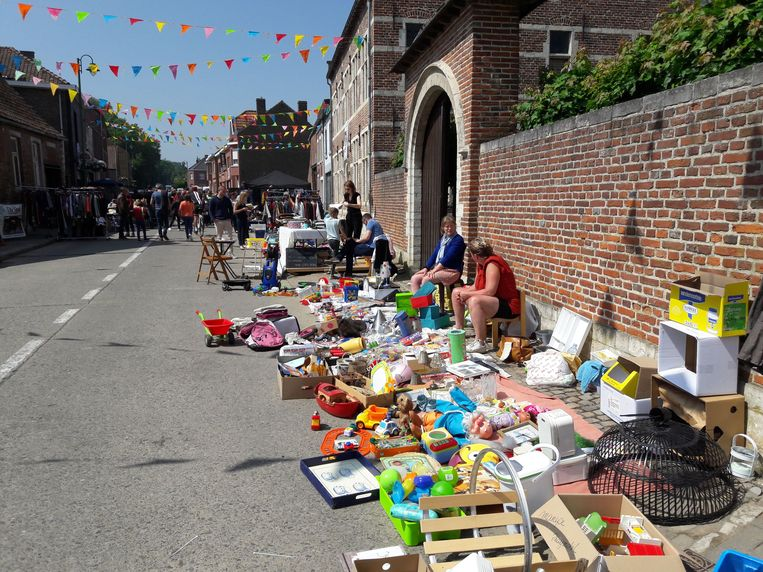 Rommelmarkt bij Meldert kermis
