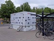 Toiletwagen bij Sliedrechts station weggehaald na zoveelste vernieling