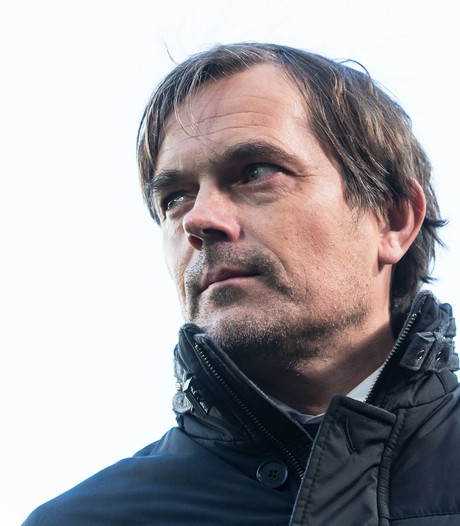 Cocu vindt uitspraken KNVB-directeur 'zorgwekkend'