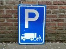 Martinus Nijhofflaan heeft nieuwe parkeerborden, nu nog handhaven