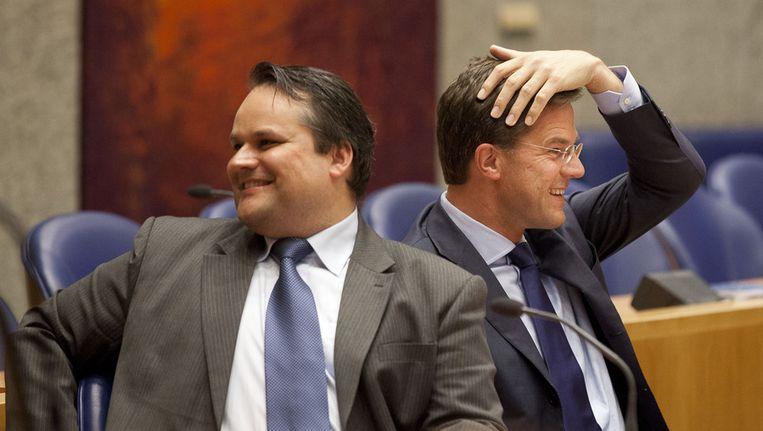 Demissionair minister Jan Kees de Jager van Financiën en demissionair premier Mark Rutte gisteren in de Tweede Kamer. Beeld ANP