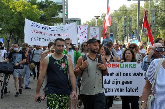 Protest tegen GenX in Dordrecht.