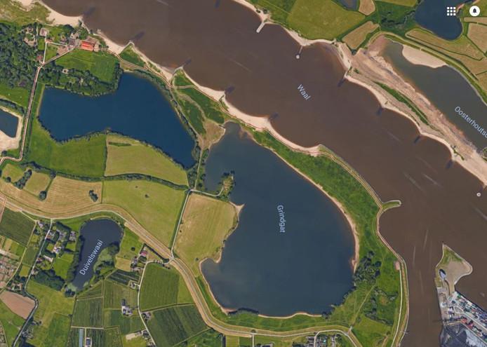 Links onderin de Duivelswaai in Weurt.