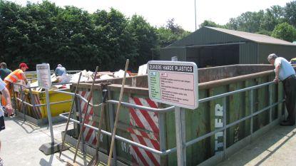"""Recyclagepark Eeklo vanaf dinsdag weer helemaal open: """"Hou rekening met lange wachttijden"""""""