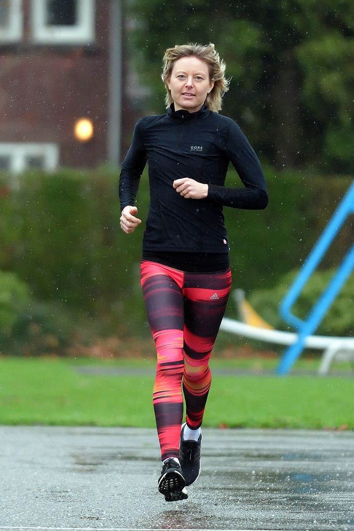 Annelies Homma aan het trainen .