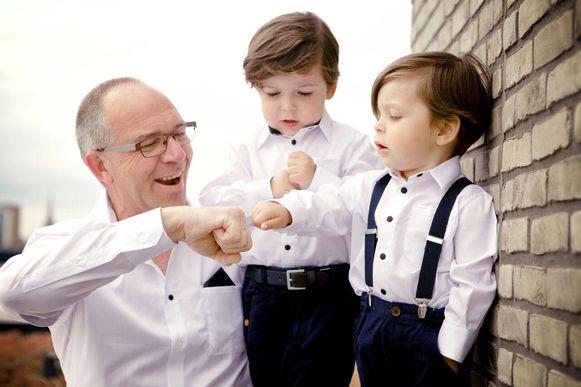 Matchen met de opa? Ook dat is geen probleem voor Luìs (2) en Léon (4).