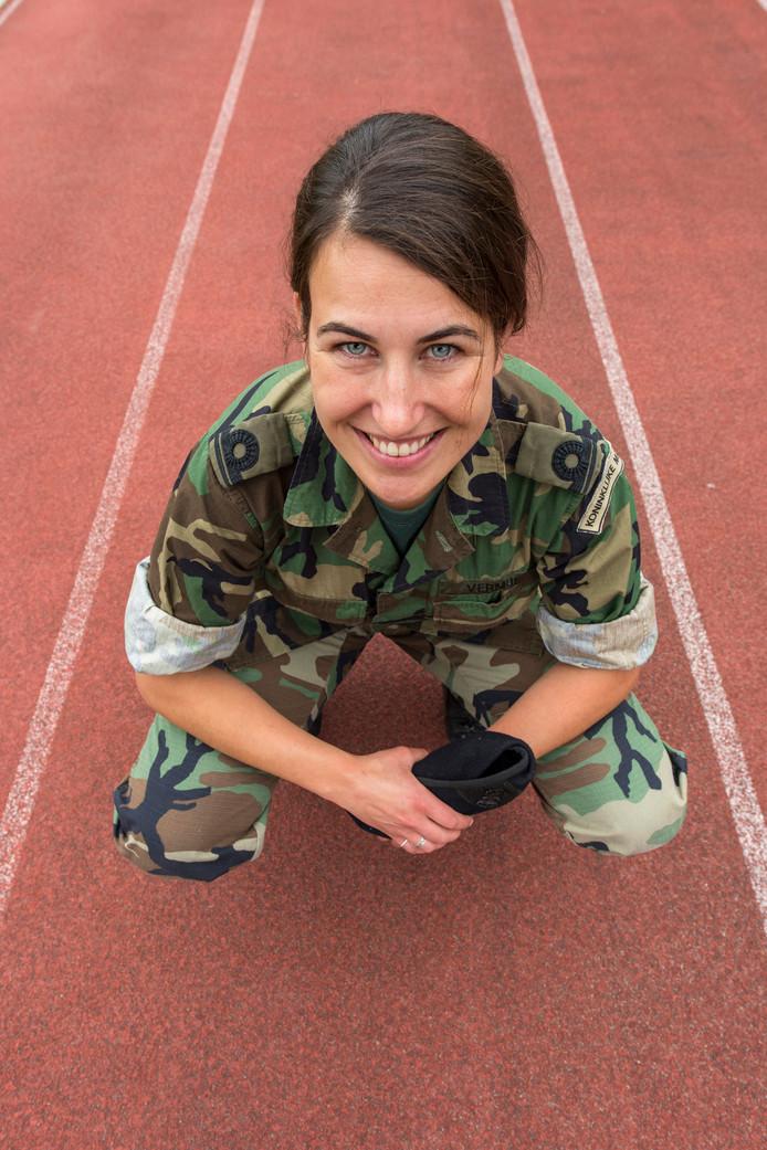 Oud-atlete Esther Vermue is Logistiek Officier op de kazerne in Doorn.