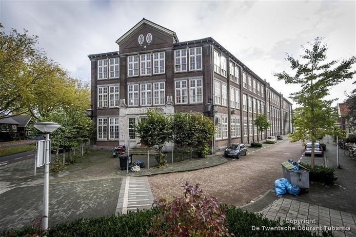 Oude Ambachtsschool aan de Boddenkampsingel