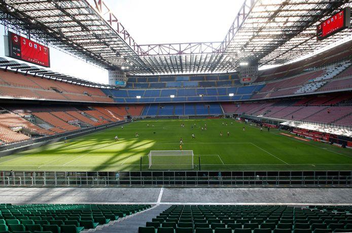 8 maart in Italië: AC Milan - Genoa voor lege tribunes in San Siro.