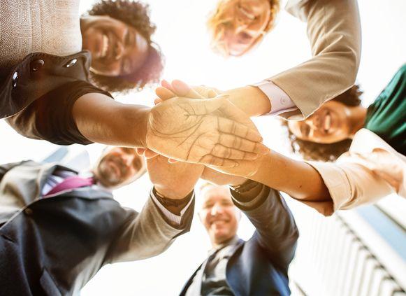 Gemengde teams blijken het economisch opmerkelijk beter te doen dan niet-gemengde teams.