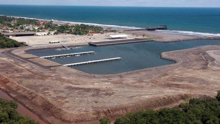 De omstreden, en inmiddels dichtgeslibte haven in Champerico, Guatemala. © Gobierno de Guatemala Beeld