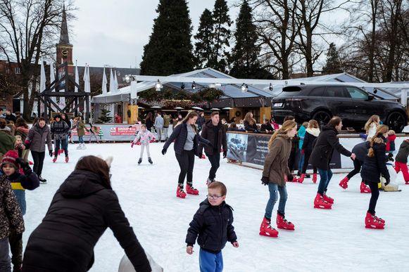 Op de schaatsbaan in Brasschaat was gisteren nog veel volk.