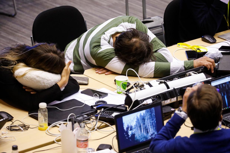 Journalisten zijn in slaap gevallen tijdens de EU-top. De regeringsleiders bleven wel wakker en vergaderden door. Was dat verstandig?