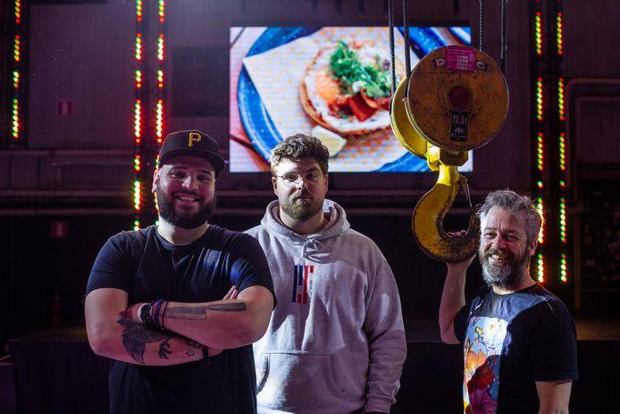 Clubsrestaurant De Kraan begint na corona. De mannen van De Kraan (vlnr): Jeffrey Raimond van MASAbar, Albert-Jan Buitendijk van Kloud Select en Erwin Schellekens van Club Smederij.