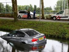 Beschonken bestuurder rijdt met BMW water in