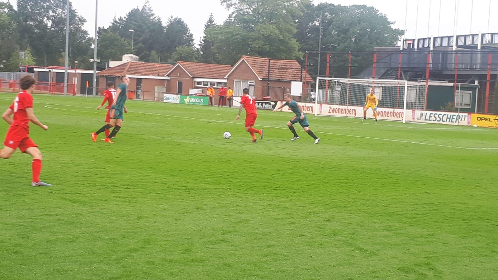 Jong FC Twente verloor in Hengelo met 3-0 van FC Groningen.