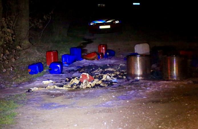 Beeld van de tweede drugsdump in het weiland van een Nuenense familie