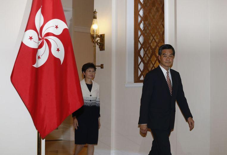 CY Leung (r), en Carrie Lam. Beeld reuters