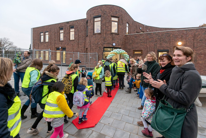 In november 2018 werd de nieuwe Dorpsschool in gebruik genomen.