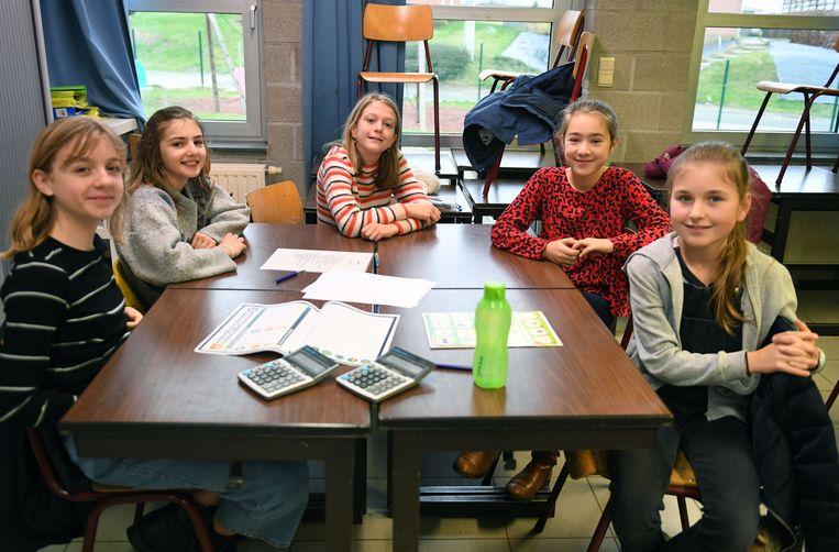Het OCMW van Holsbeek trekt naar het lager onderwijs en het zesde leerjaar speelt een geldwegspel