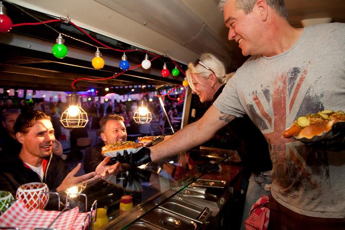 TOOST Foodtruckfestival Alphen - hotdogs zijn in trek